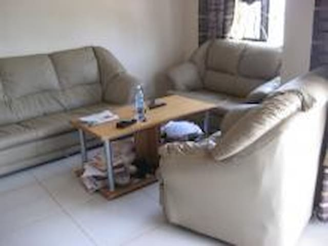 Furnished apartment in Kyaliwajala - Kampala - Apartment