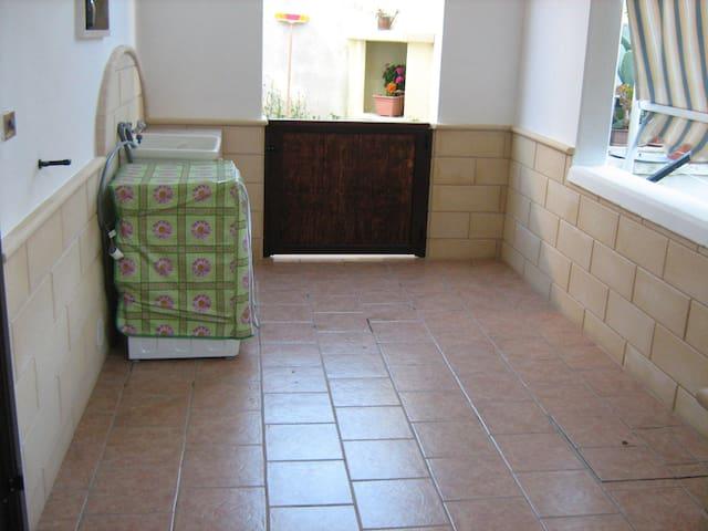 Affittasi appartamento a Ugento - Ugento - Huis