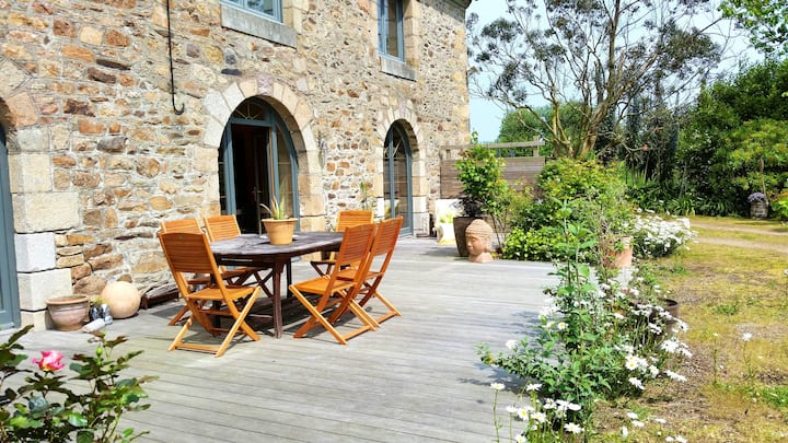 House with 3 bedrooms in Ploubazlanec, with furnished garden and WiFi - 2 km from the beach