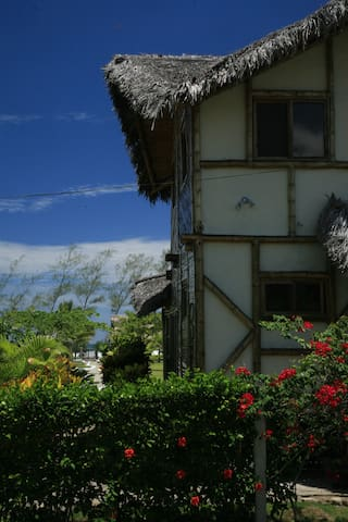 Beachfront tropical villa: Beira Ma - Las Tunas - Casa