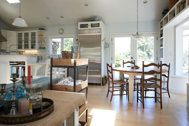 Big Mesa Urban Farm House - Bolinas - House