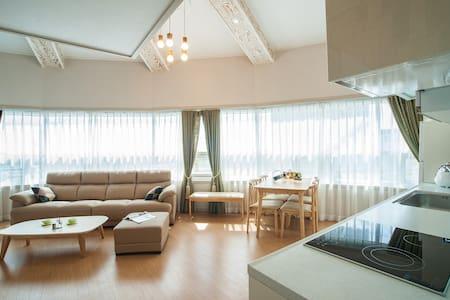 (단기및장기)임대하우스 Daonstay에 오신것을 환영합니다. (35평복층 가족형룸) - Sinseo-ro, Seogwipo-si - Pis