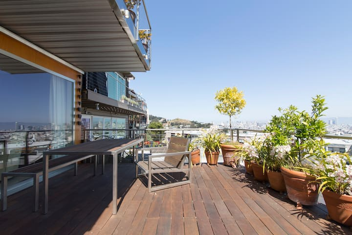 Modern 1BR/2BA w/ Panoramic Views - San Francisco - Apartment