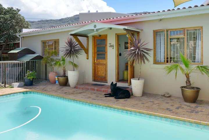 Garden cottage on Cape Peninsula - Cape Town