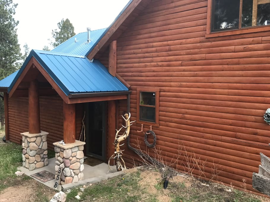 Mountain log cabin clean quiet yep thats the view for Cabine in affitto nel parco invernale colorado
