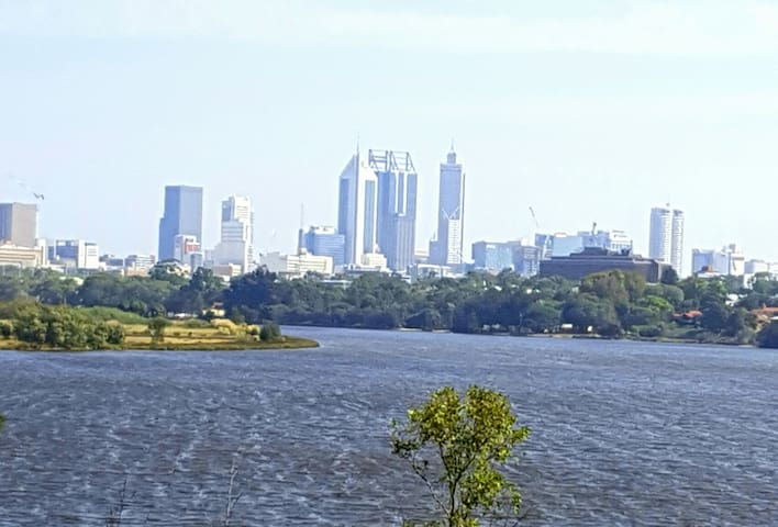 Luxury & stunning Perth river views, parking WiFi - Maylands - Byt