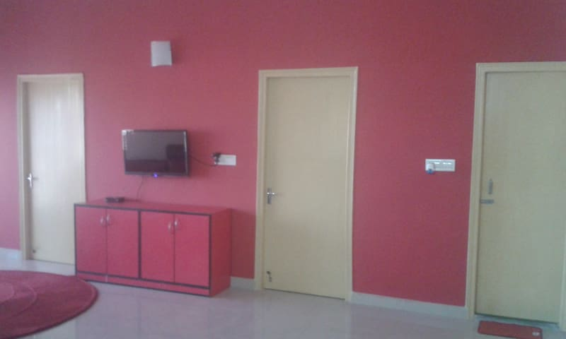 Serviced Apartment near Airport fully furnished - Kolkata - Apartment