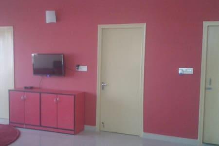 Serviced Apartment near Airport fully furnished - Kolkata - Apartemen