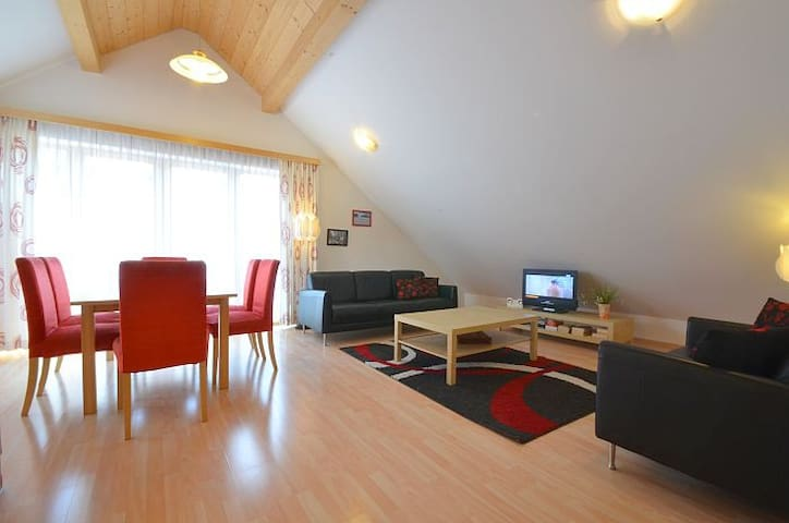 Apartment Central - luxury apartment, central location, sunny deck balcony