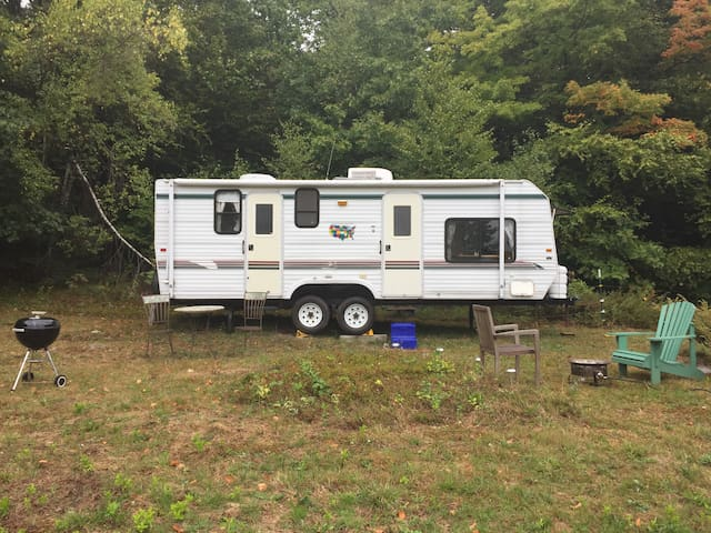 Gentlewomen's Farm Camper:  CLOSED FOR WINTER - Winchester - Karavan