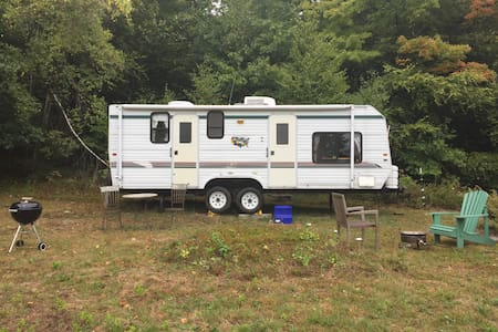 Gentlewomen's Farm Camper:  CLOSED FOR WINTER - Winchester