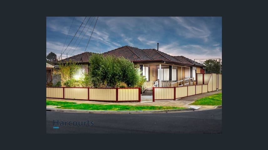 Whole Three Bedroom House Available - Deer Park