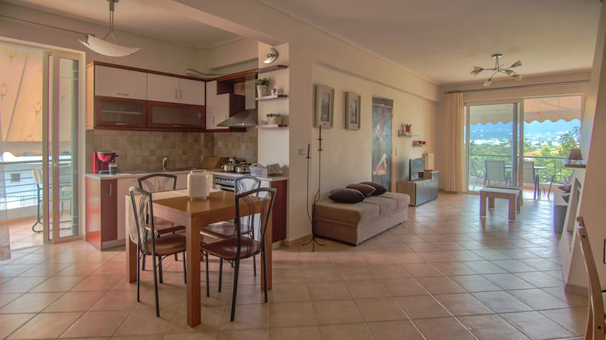 Artsy&charming 70 m2 flat- 300 mtrs from the beach