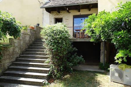 Maison dans hameau - House