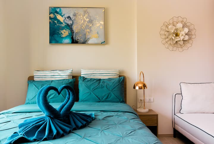 Sanddollar4 La Casita Condo Huahin. Best Location!