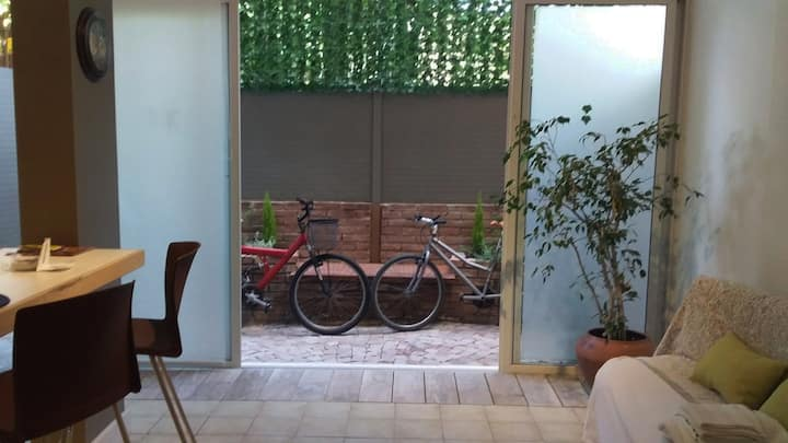 Loft & Bikes - Top Location close to Aristides St.