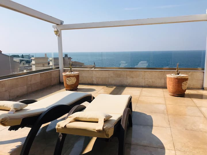 Perfect Sea Viewed,Penthouse in Marina Kusadasi