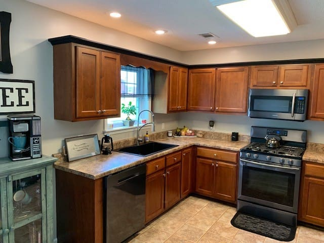 Spacious modern living just minutes from Ole Miss