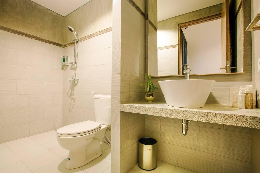 2 Shared Bathroom