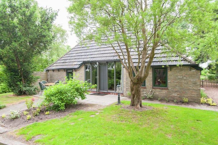 Quaint Farmhouse in Waskemeer near the Forest