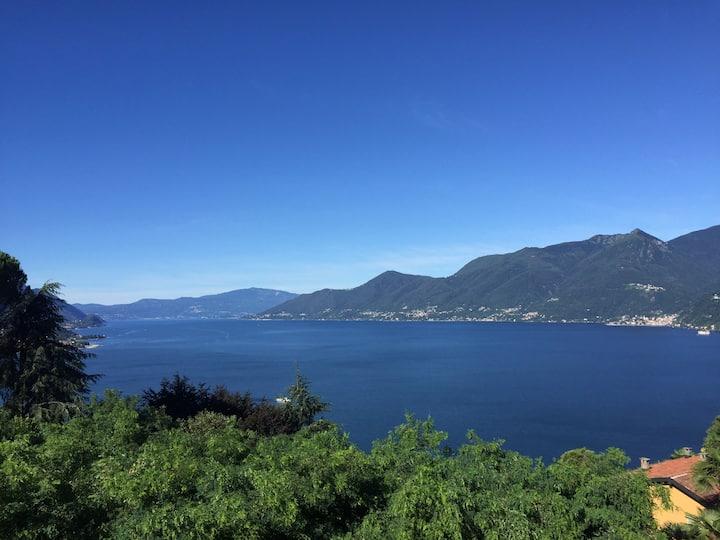 Modern appartment great view Lago Maggiore