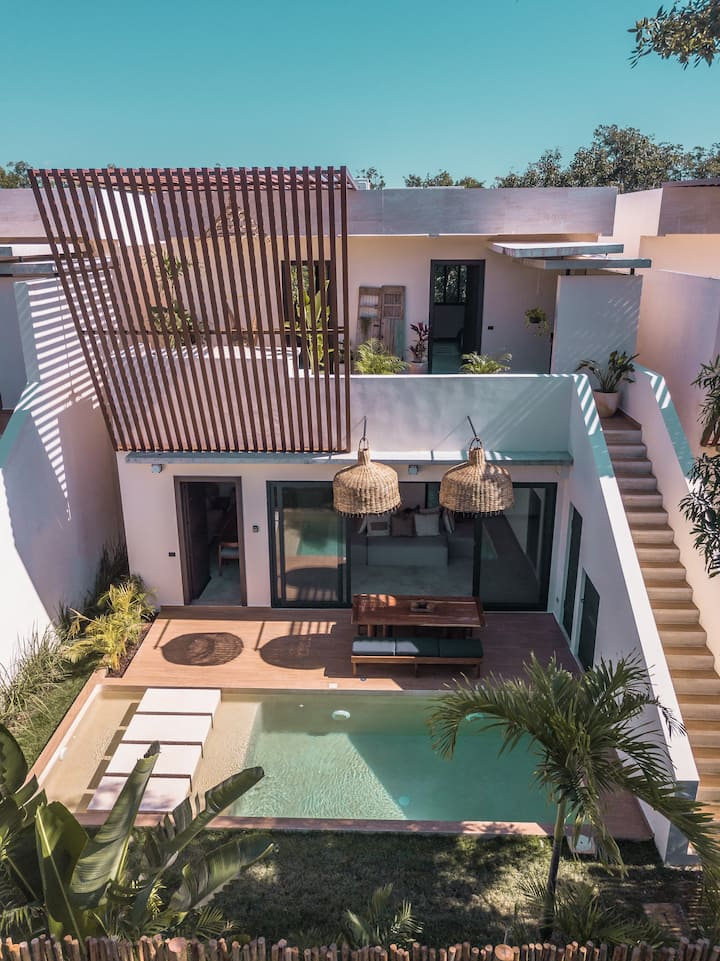 Charming Brand New Villa w Private Pool& Rooftop