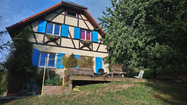 Maison familiale en bordure de vigne et de forêt