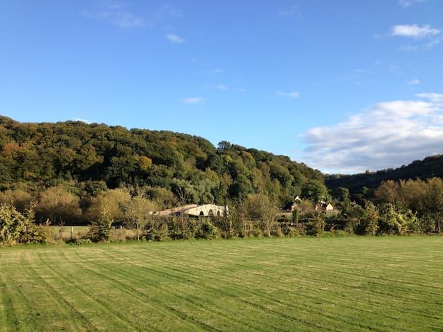 14th c. Conversion nestled in the Wye Valley