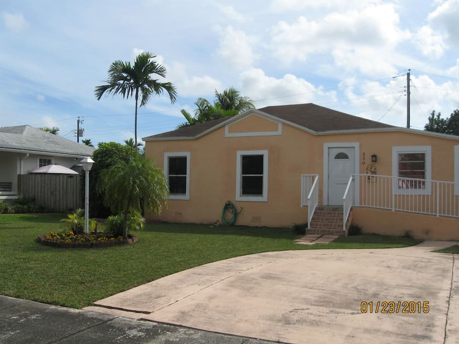 Room For Rent In Miami Springs Florida