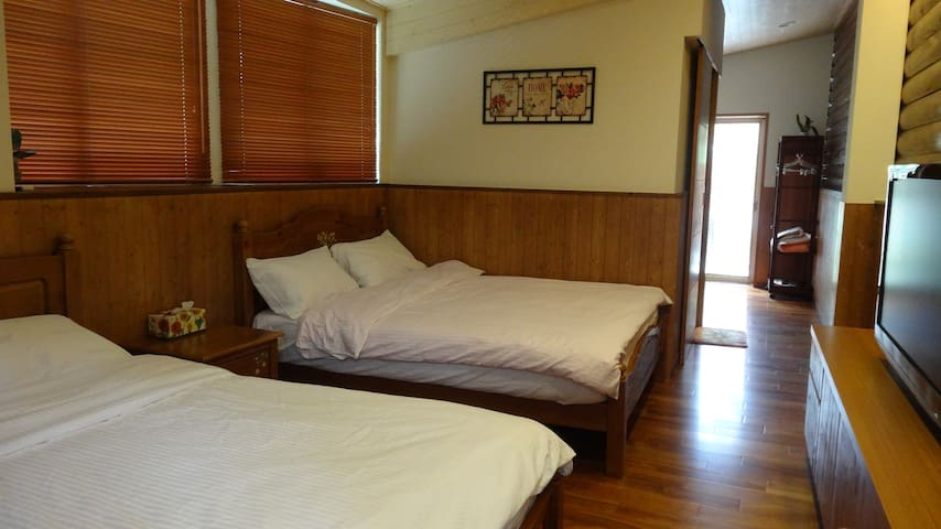 甜蜜四人房Sweet family Quad Room - Puli Township - Bed & Breakfast