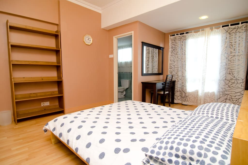 Cozy and spacious master bedroom. Additional mattresses available.