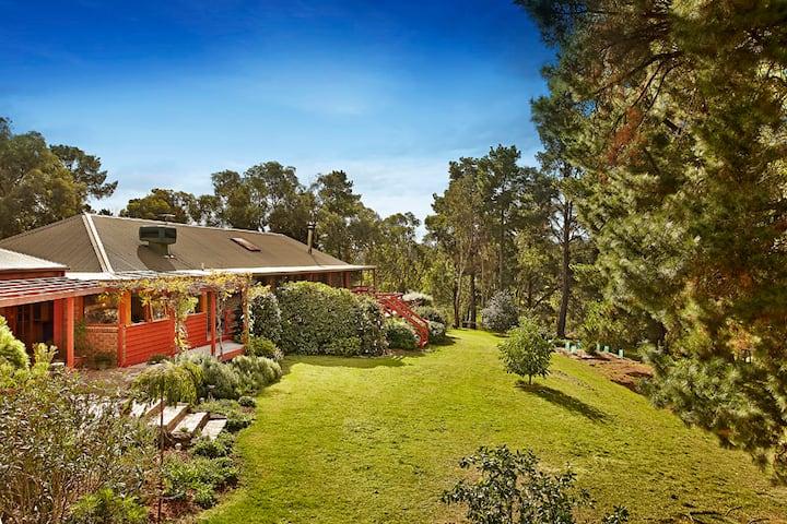 Family & Couples Style Accommodation - Hurstbridge