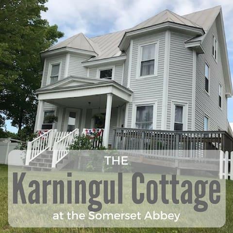 Karningul Cottage, 4 Bedroom Guesthouse