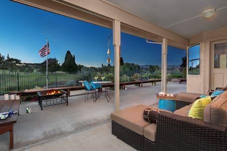 Fairway views-Overlooks Prescott Country Club! - Dům