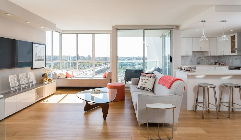 WOW! Waterview 1Bd/Ba+Parking, Wifi - Vancouver - Apartment