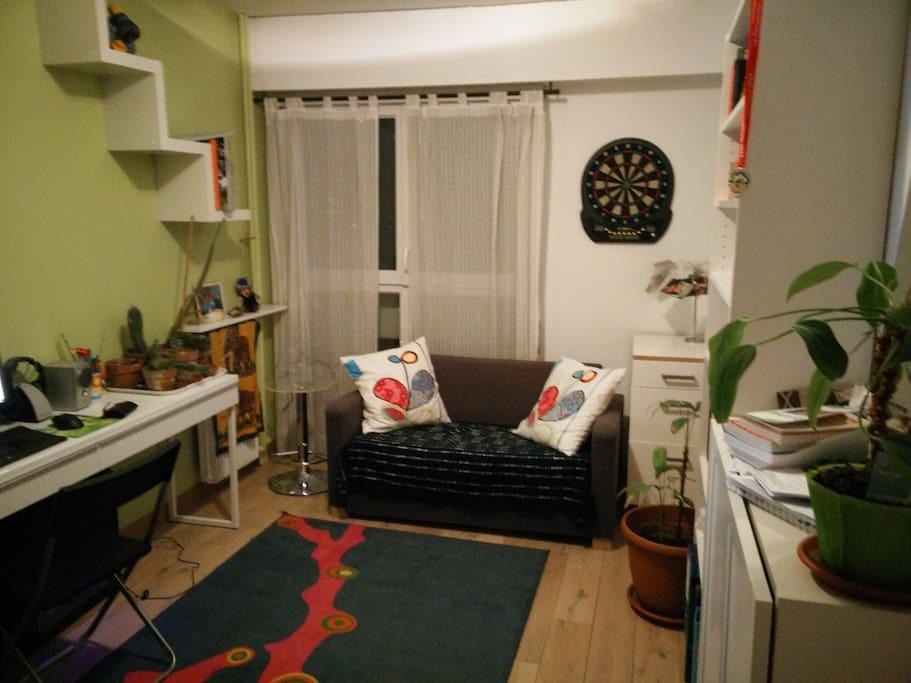 Appartement spacieux et lumineux apartments for rent in - Appartement spacieux lumineux en suede ...