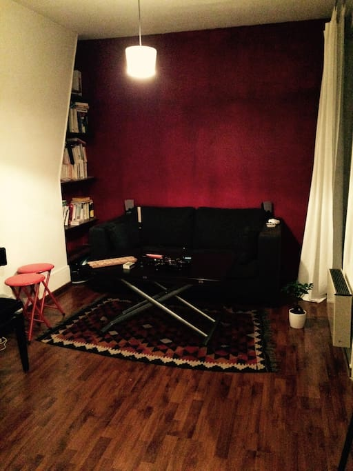 Beautiful living room with a beautiful piano. A sofa bed (for 2 people).