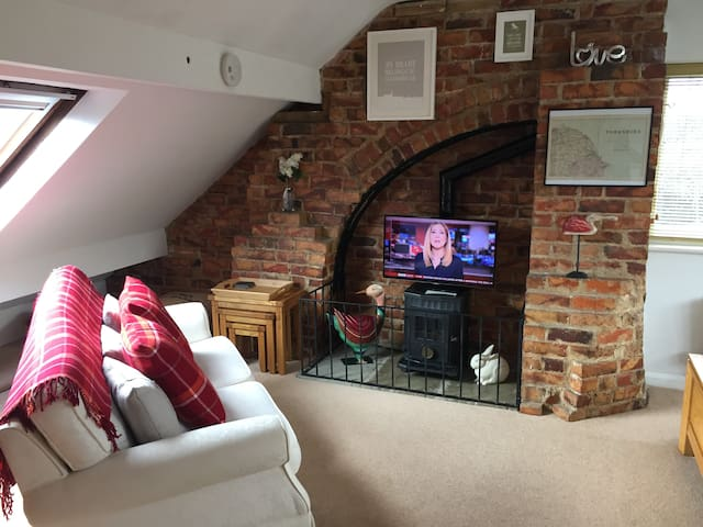 Stylish, family friendly, 3 bedroom, private floor - Burniston