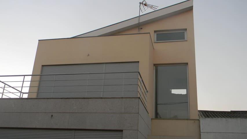 Grande maison moderne située à Gandra (Esposende) - Apúlia - Casa