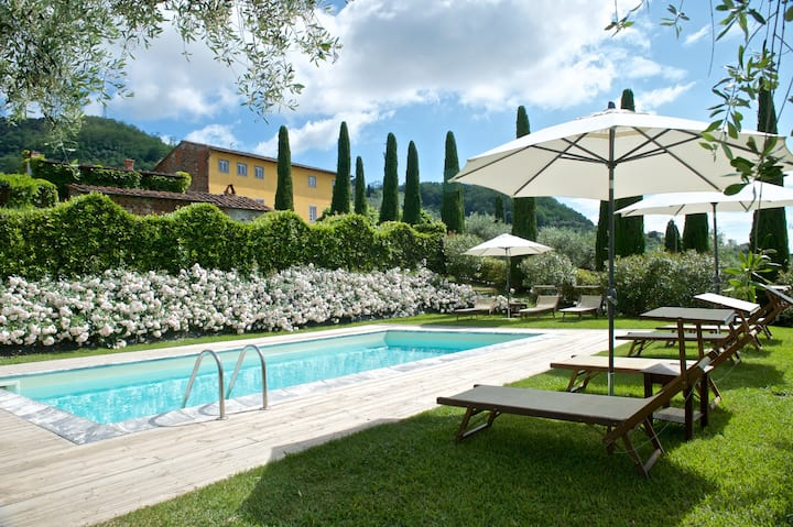 VILLA IL TINAIO Romantic Secluded Farmhouse with Private Pool
