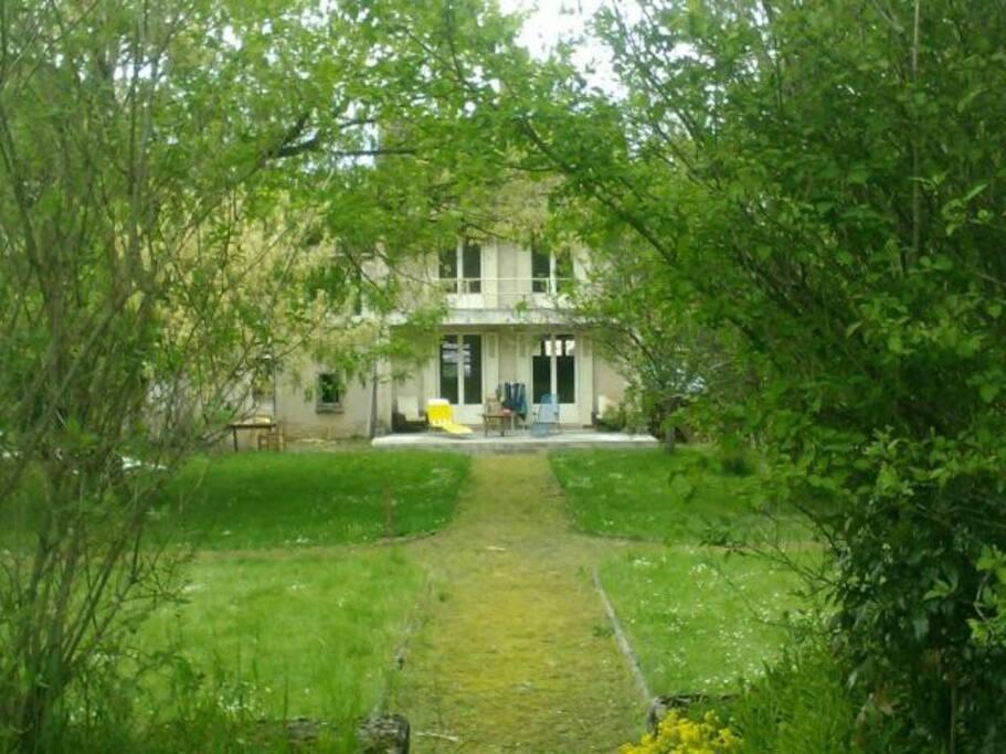 Maison avec jardin maisons louer pesmes franche - Maison a louer 3 chambres avec jardin ...