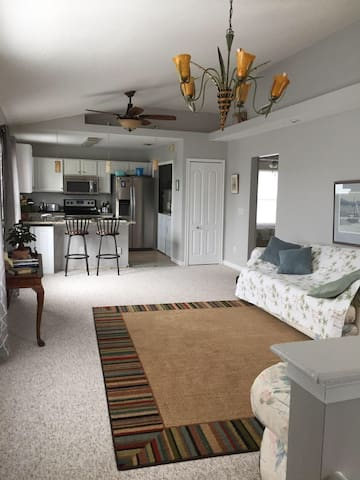 New, clean, quiet beach apartment! - St. Augustine