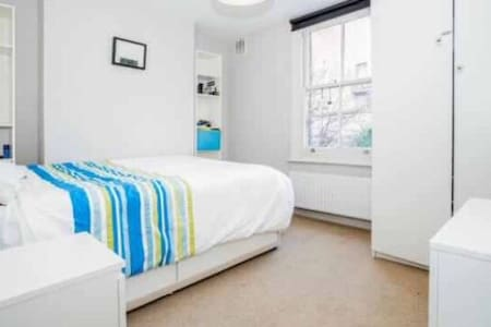 one bedroom apartment in Deanscales