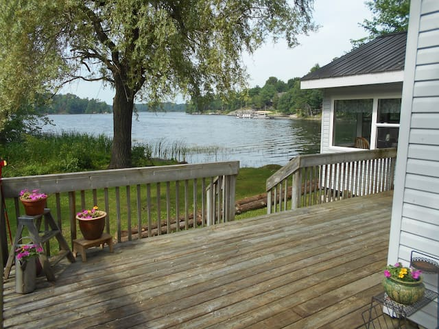 Gananoque Lake Cottage Rental