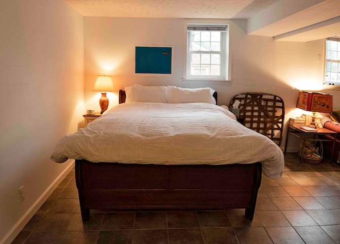 Cute Suite, hip East Nash. Walk Riverside Village