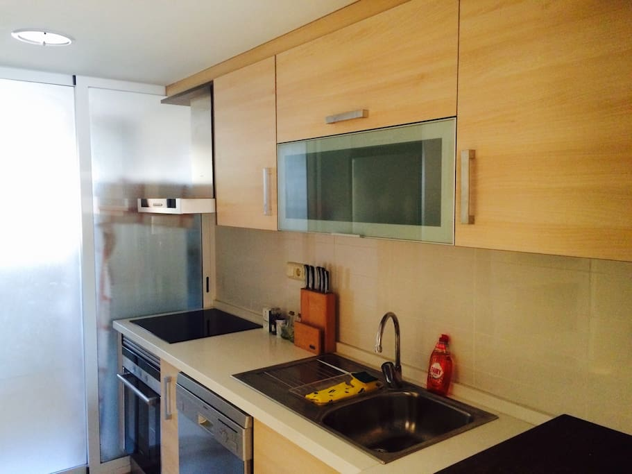 Full equipped kitchen (Big fridge with frizzer -combi, dishwasher, oven, ceran, micro-wave). Connected to washing/ drying room with washing and drying machine.