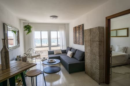 harbour apartment with seaview