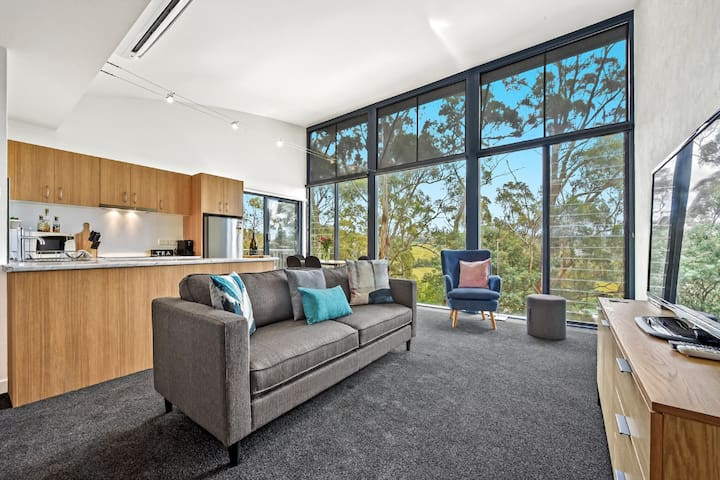 Tamar Ridge Vineyard-Premium Apartment 'The Ridge'