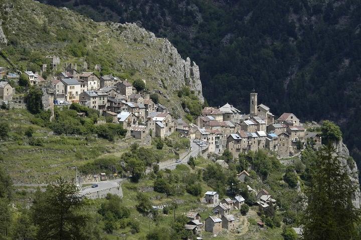 Gîte au cœur d'un village perché du Mercantour