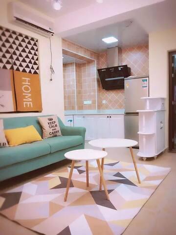 田田家-东二环泰禾 近火车站北广场 岳峰新城单身公寓 - 福建 - Apartamento